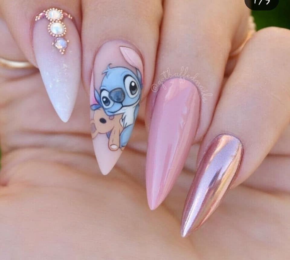 Nail Art Stitch: Stitch Nails 💅🏼