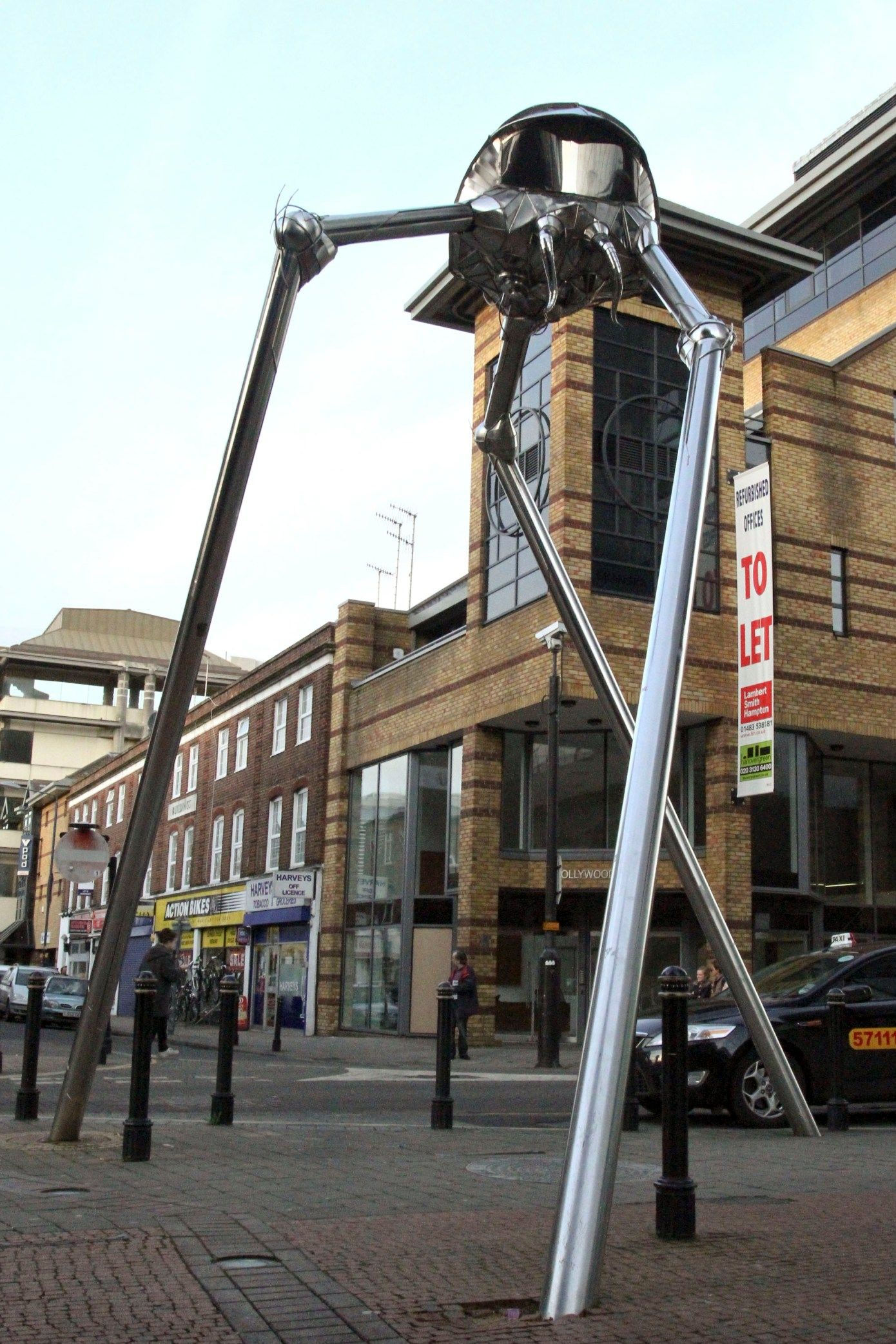 The Woking War of the Worlds Tripod | Woking Town in 2019 ...