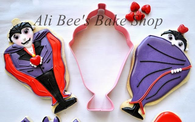 Ok...this is a very clever use of an Ice Cream Sunday cookie cutter.  Dracula's cape made me think that this idea could also be recycled into Super Heros.