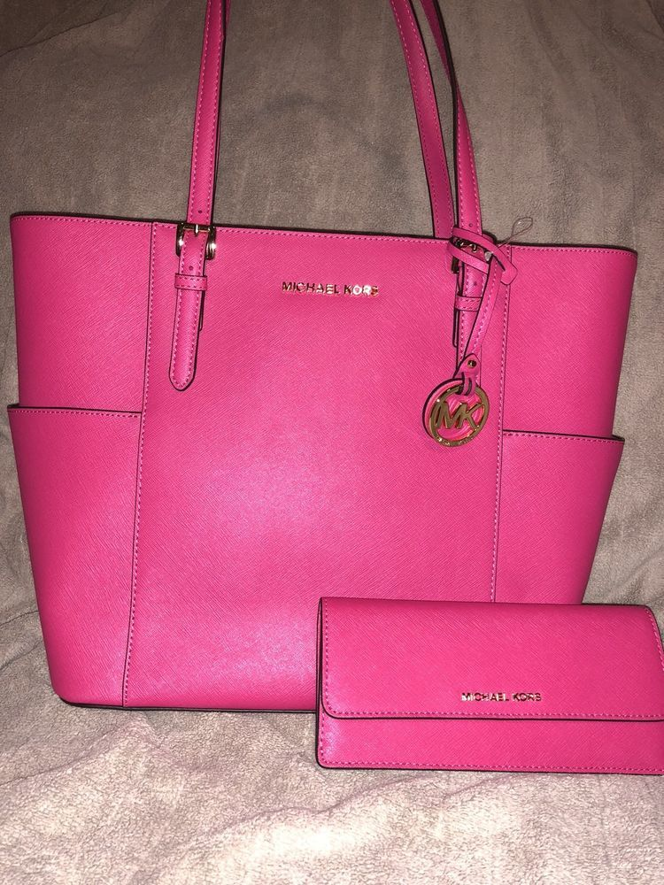d87bdd8bbef0 NWT Authentic Michael Kors Leather Handbag And Matching Wallet LAST DAY!!  1192012107224