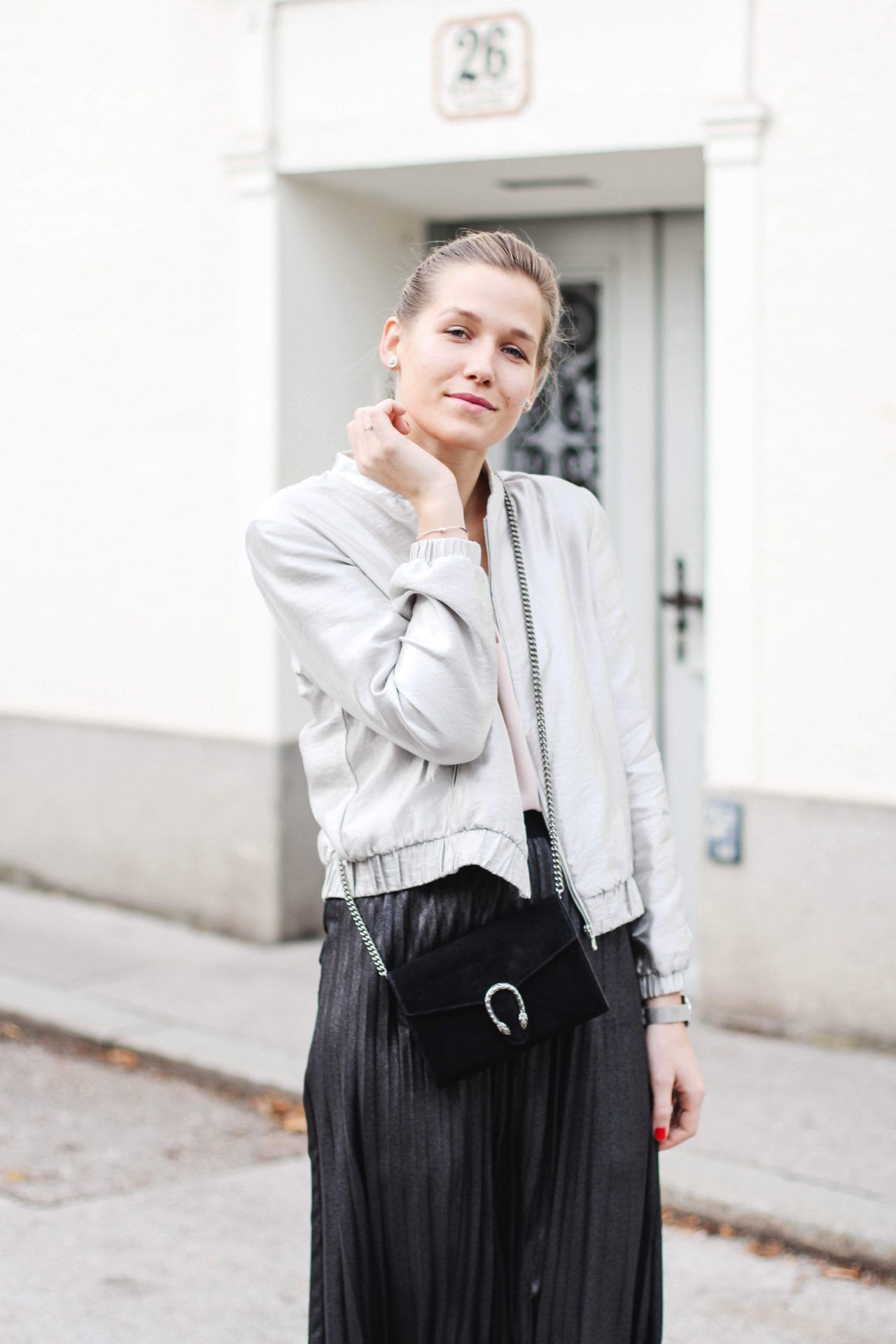 """tifmys – Top, skirt & satin slippers: H&M 
