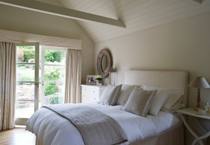 Griege bedroom by Ham Interiors