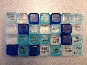"""""""Cubitos de hielo"""" para calmar los enfados. A cada cubito se le escribe una estrategia diferente paea regular los sentimientos  (ira en este caso). Fresquitos calman más... Cool down Ice cubes"""