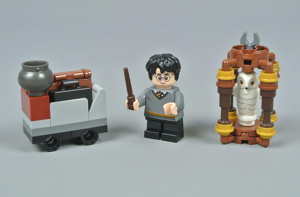 LEGO Minifigs Harry Potter 30407 Harry/'s Journey to Hogwarts Castle Hedwig Owl