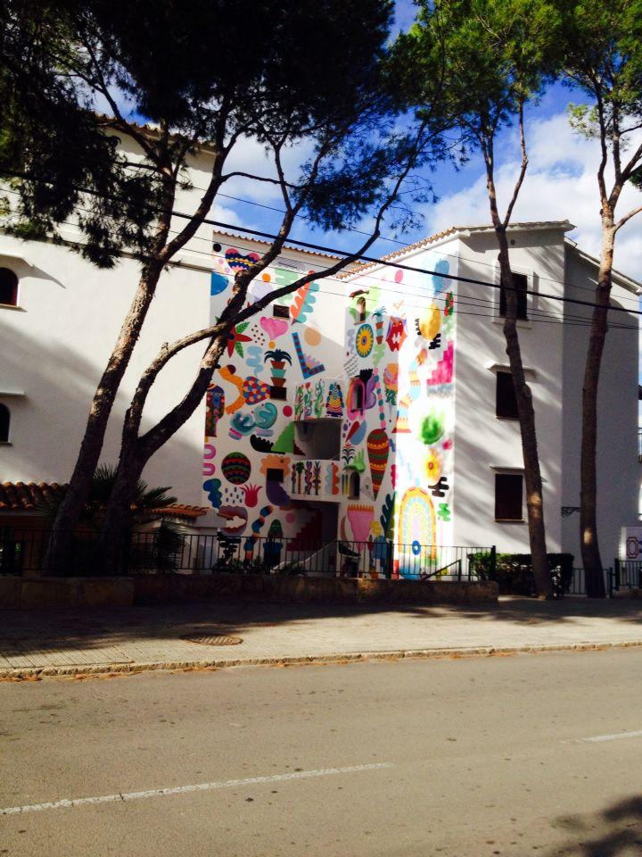 Zosen y Mina Hamada #BetArtCalvià 2014 Apartamentos Surfing Playa.. Avd. rei Jaume I, 07180 Santa Ponça