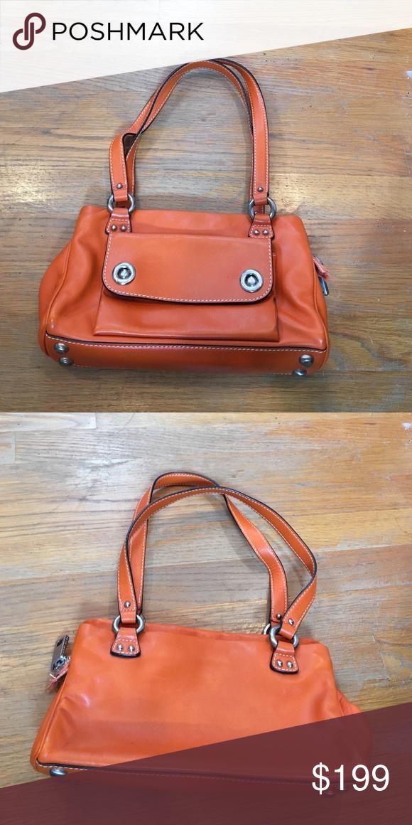 Vintage Marc Jacobs Leather Shoulder Bag From The 90 S Cool Orange Color 3 Interior Pockets Marc Jacob Leather Shoulder Bag Marc Jacobs Leather Shoulder Bag