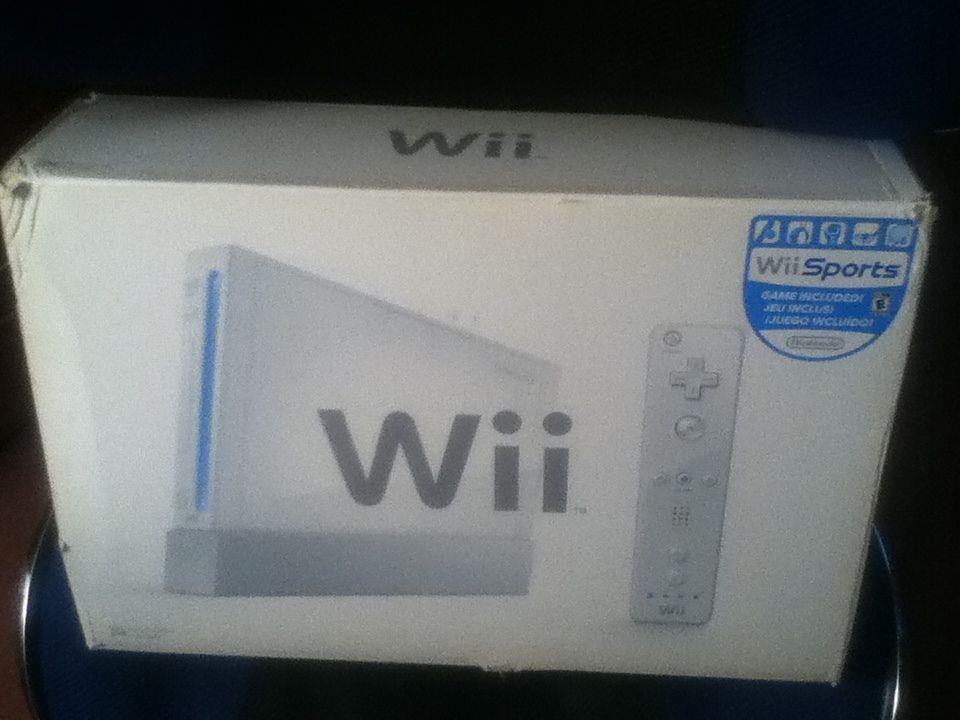 Nintendo Wii White Console Bundle Nintendo Wii sports