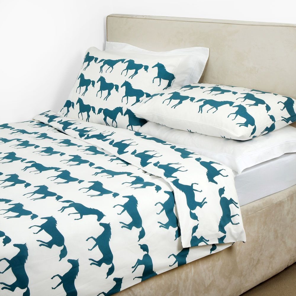It Includes A Single Duvet Cover With One Housewife Pillowcase Each Feature The Fabulous Kissing Horses Design In Jade
