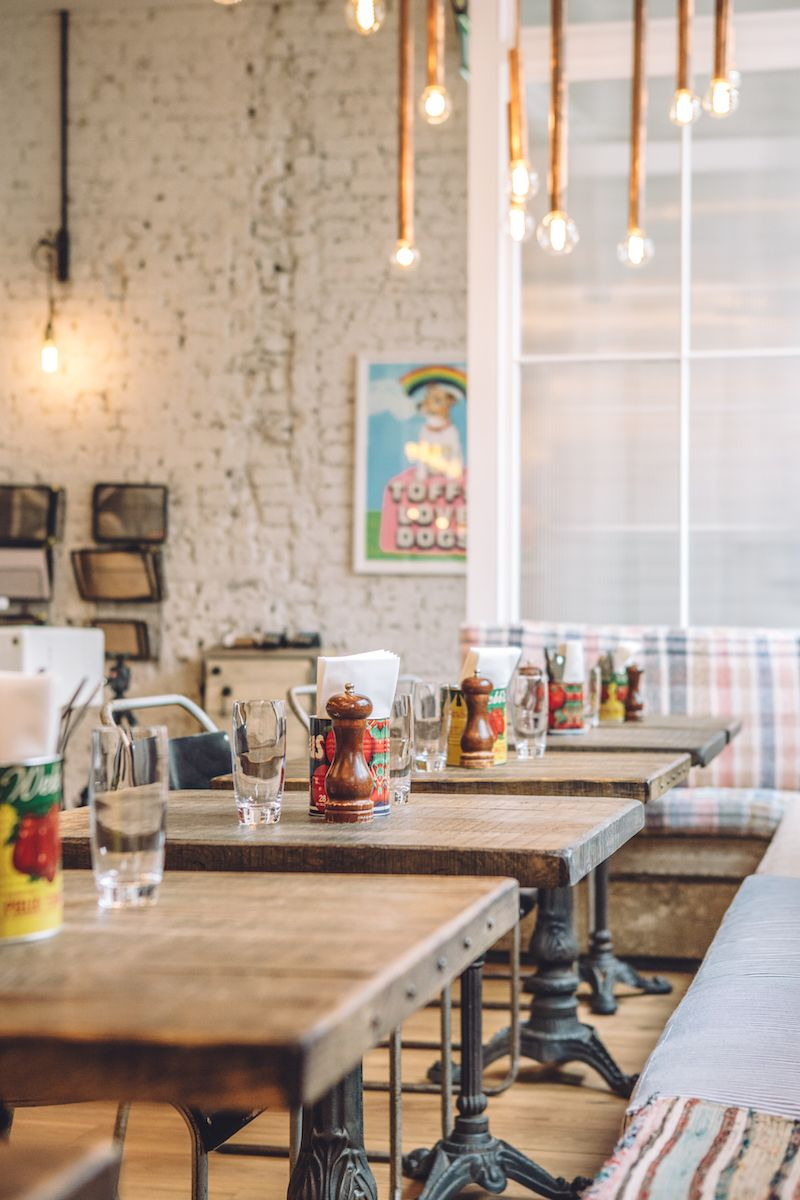 Stay at artist residence in london an eclectic boutique hotel with a restaurant and cocktail bar in pimlico just a 5 minute walk from victoria station