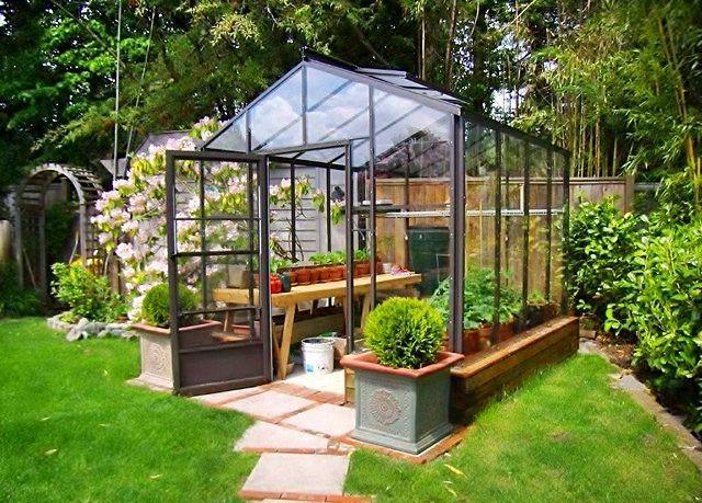 Homemade greenhouse ideas huerto campo pinterest invernadero huerto y jardiner a - Invernadero casero terraza ...