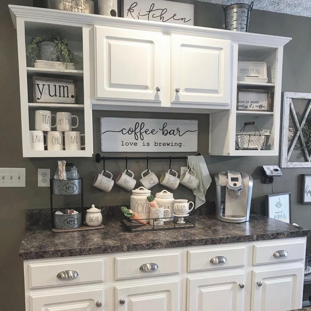 Wonderful coffee bar ideas for kitchen // Amazing coffee bar ideas ...