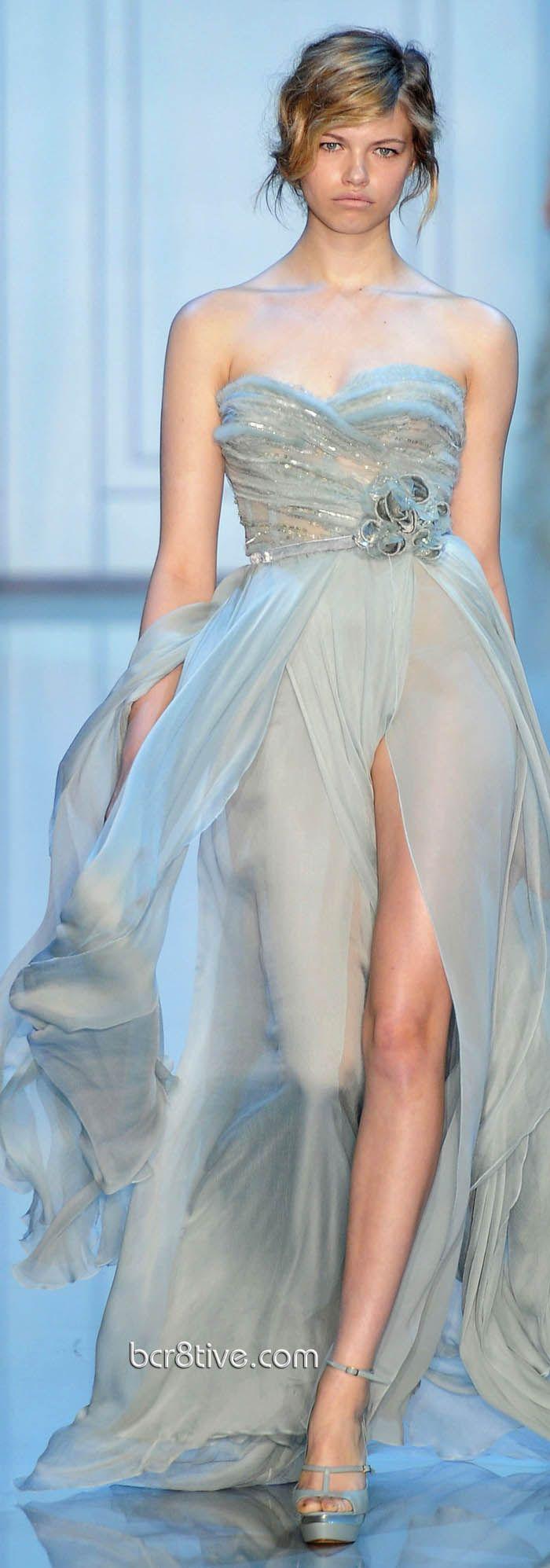 Elie Saab Fall Winter 2011 Haute Couture   Azul claro, Azul y Vestiditos