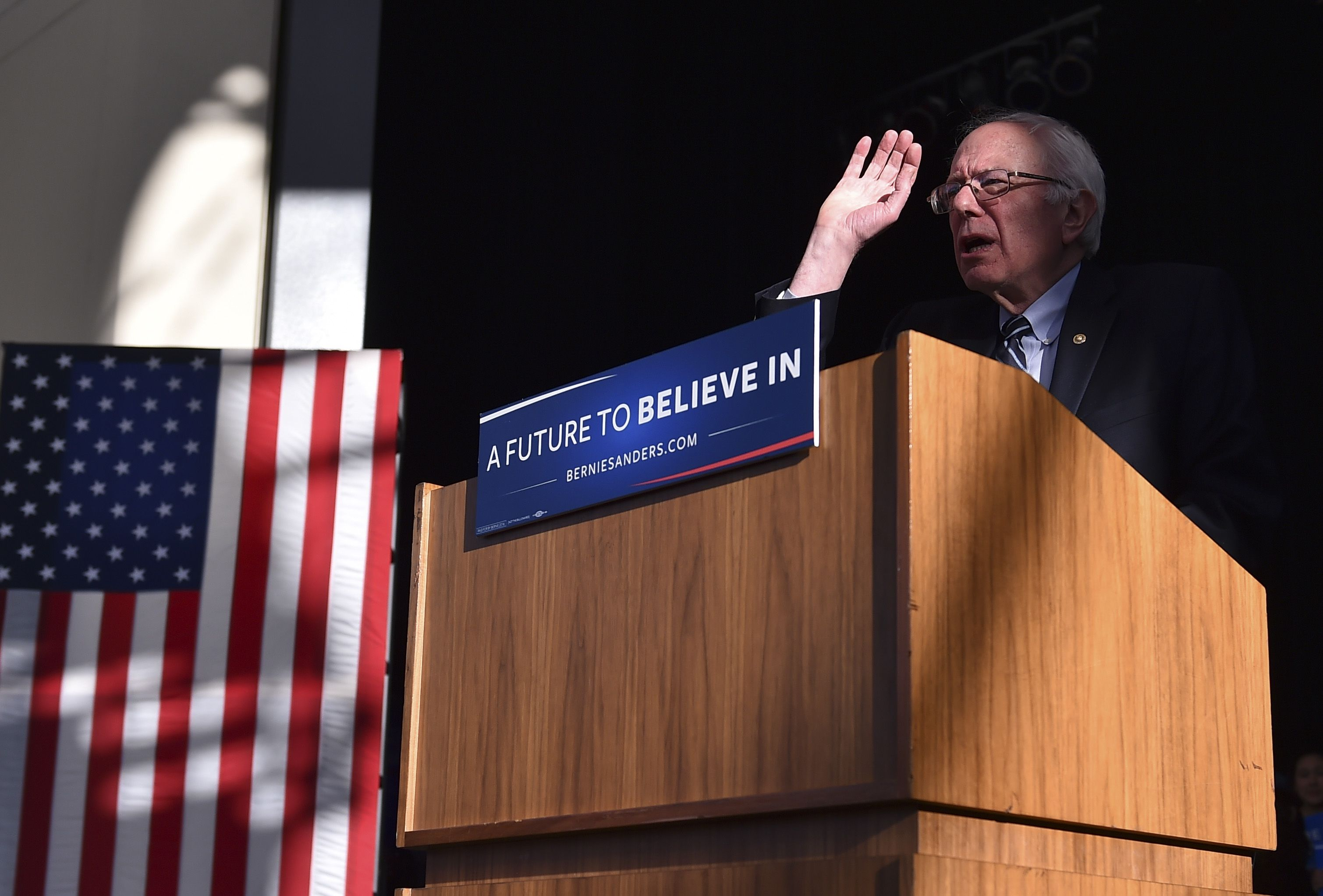 """#WashPost MONDAY: #Sanders"""" path to #nomination narrowing..."""