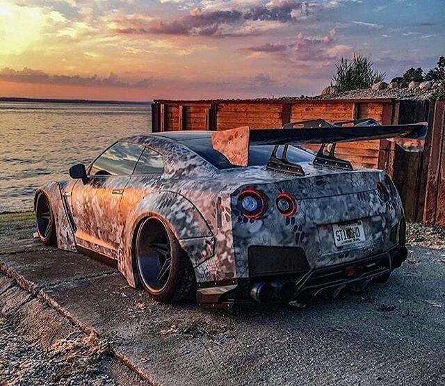 Datsun Car Wallpaper: Nissan Gtr