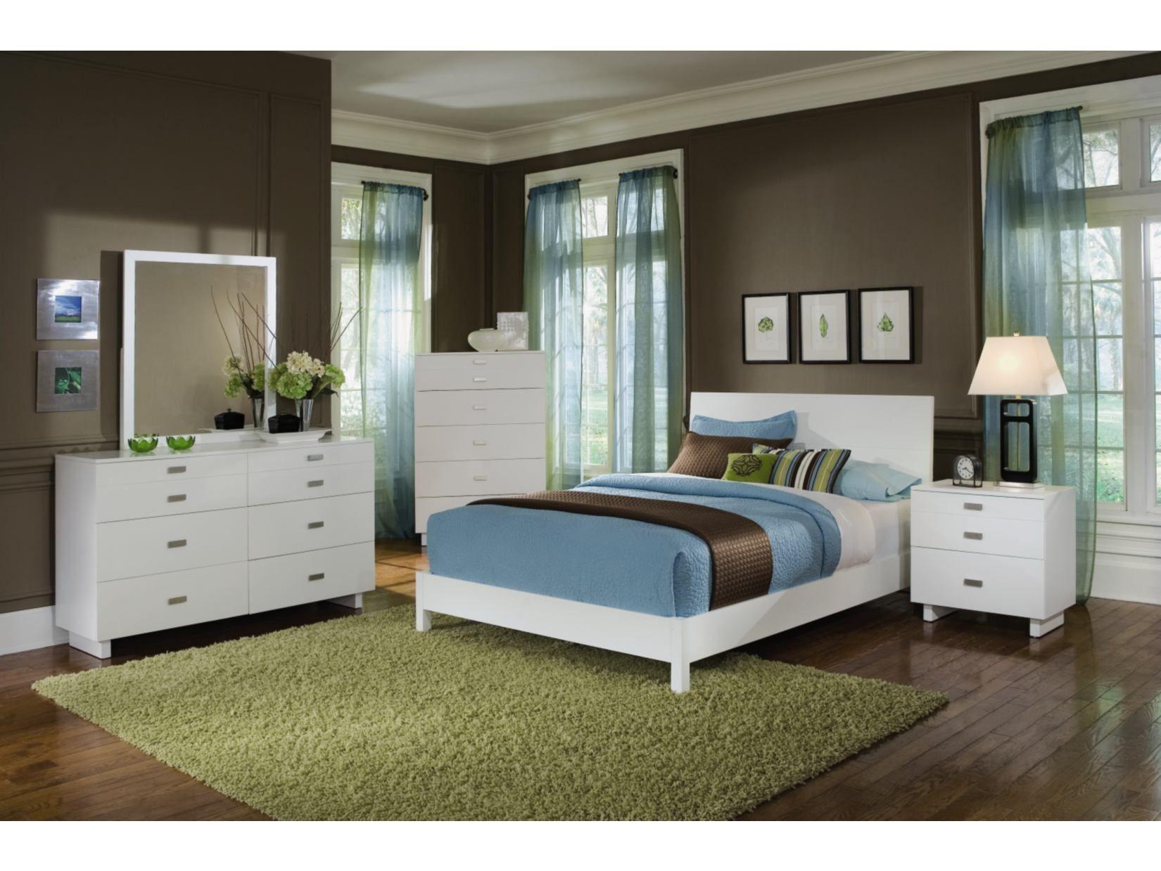 Metro White 5PC Platform Bedroom Package American