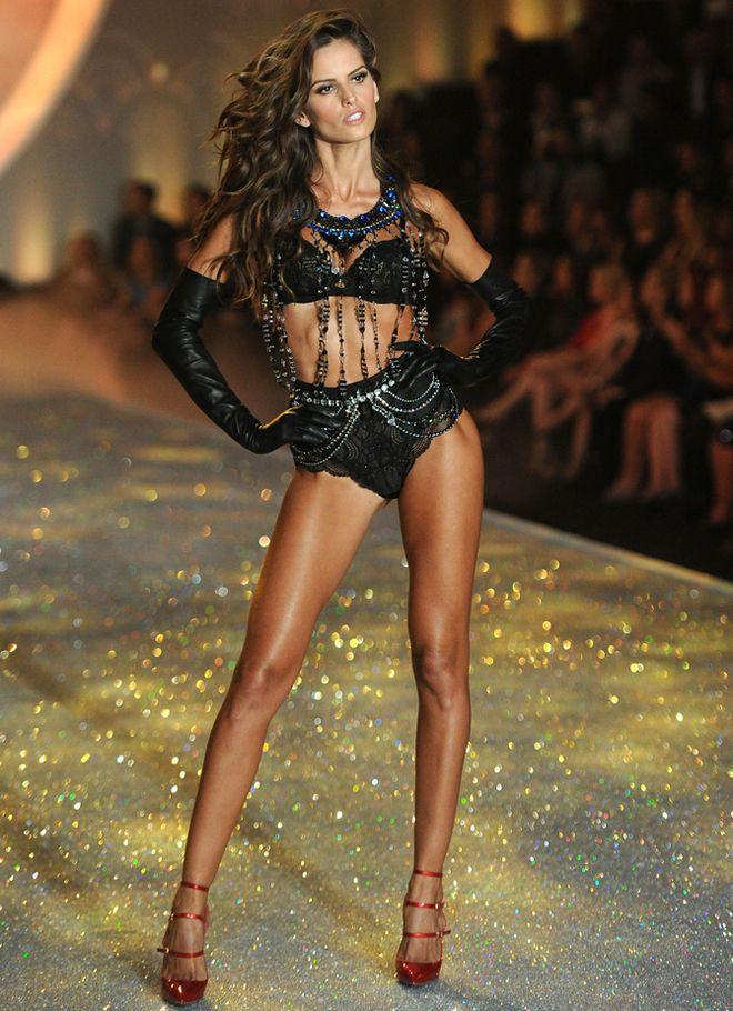 Izabel Goulart Models In 2019 Pinterest Victoria Secret