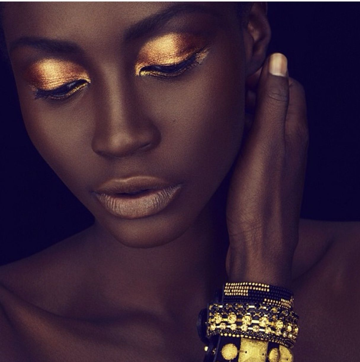 Bronze shadow pretty dark skin diva makeup pinterest makeup