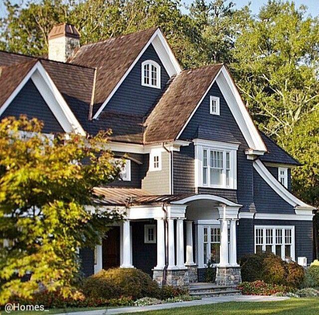 Best Classic Navy Exterior Paint Color House Exterior Dream 400 x 300