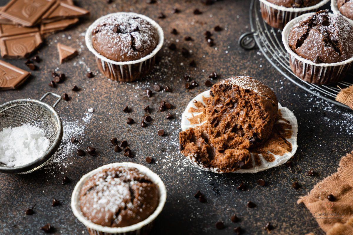 Schokomuffins Rezept Fur Schnelle Schokoladenmuffins Mit Schokostuckchen Super Lecker Sehr Einfach Und Ge In 2020 Schokoladenmuffins Schokomuffins Thermomix Rezepte