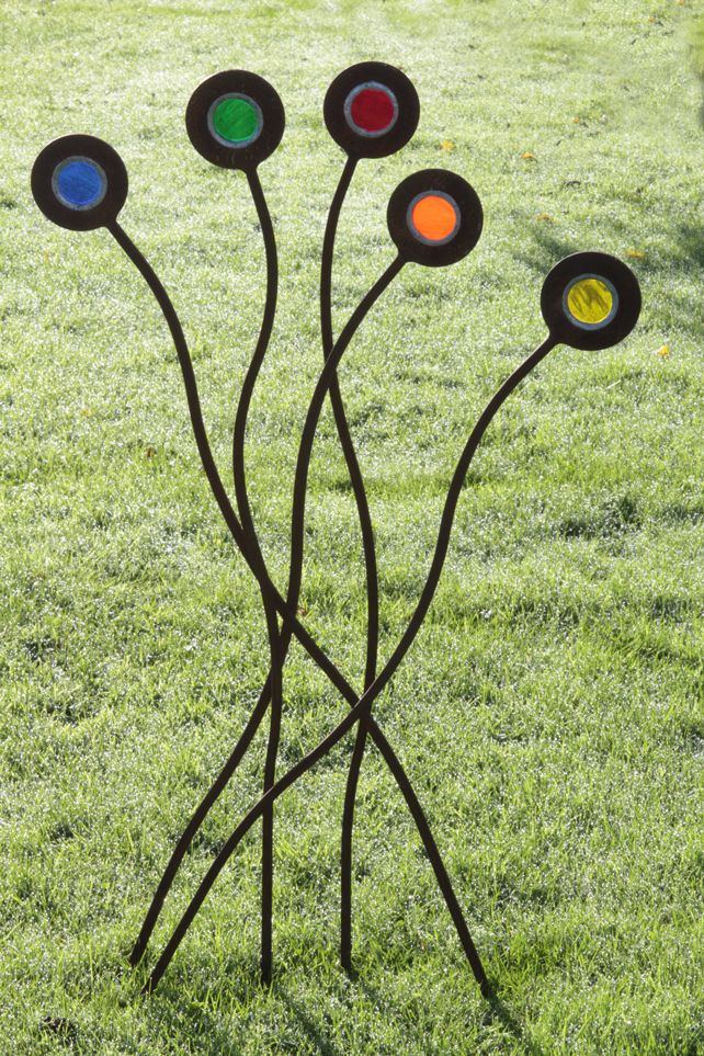 Pin By Marilyn Gibbs On Yard Art Stained Glass Glass Garden Art