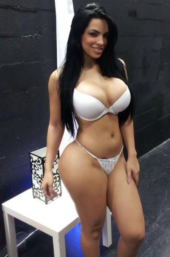 Curvy mexican