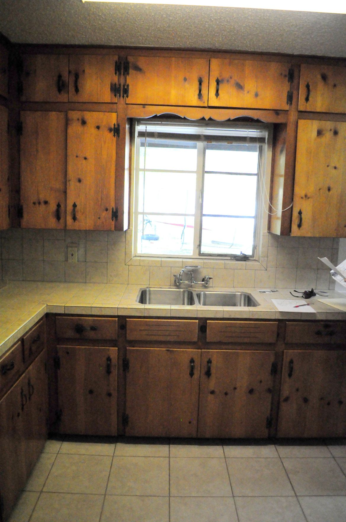 phase one  complete  pine kitchen cabinets knotty pine
