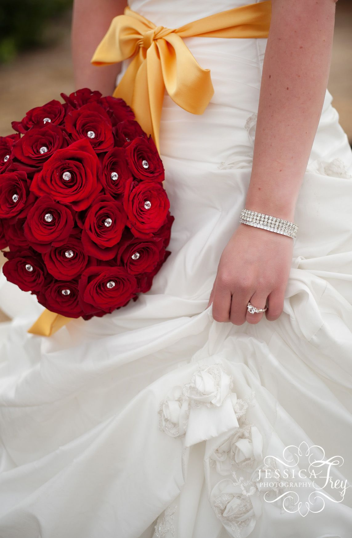 Beauty And The Beast Wedding Dress: Beauty And The Beast Wedding Ideas