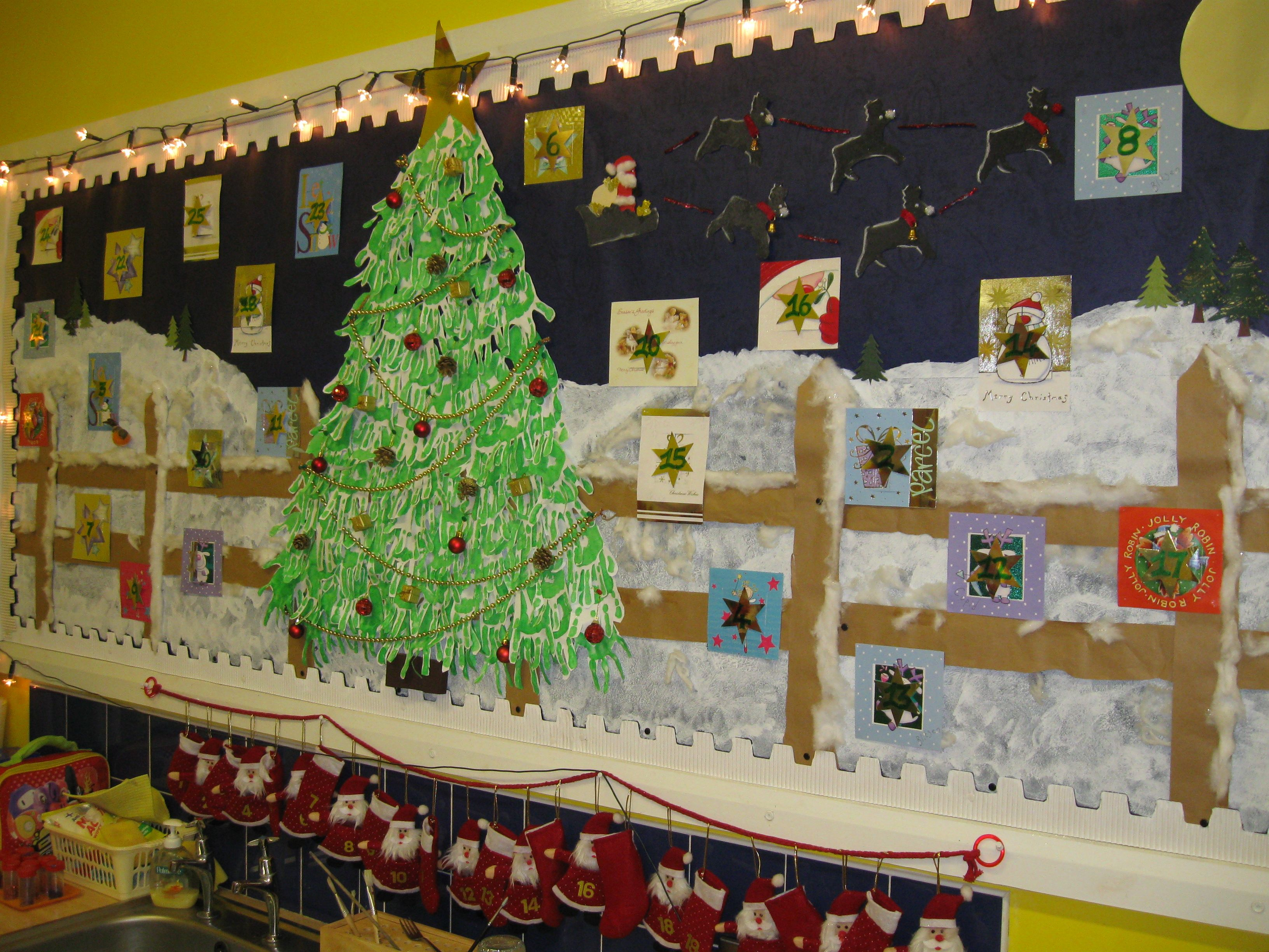 Advent Calendar Preschool : Gigantic advent calendar bulletin board ideas