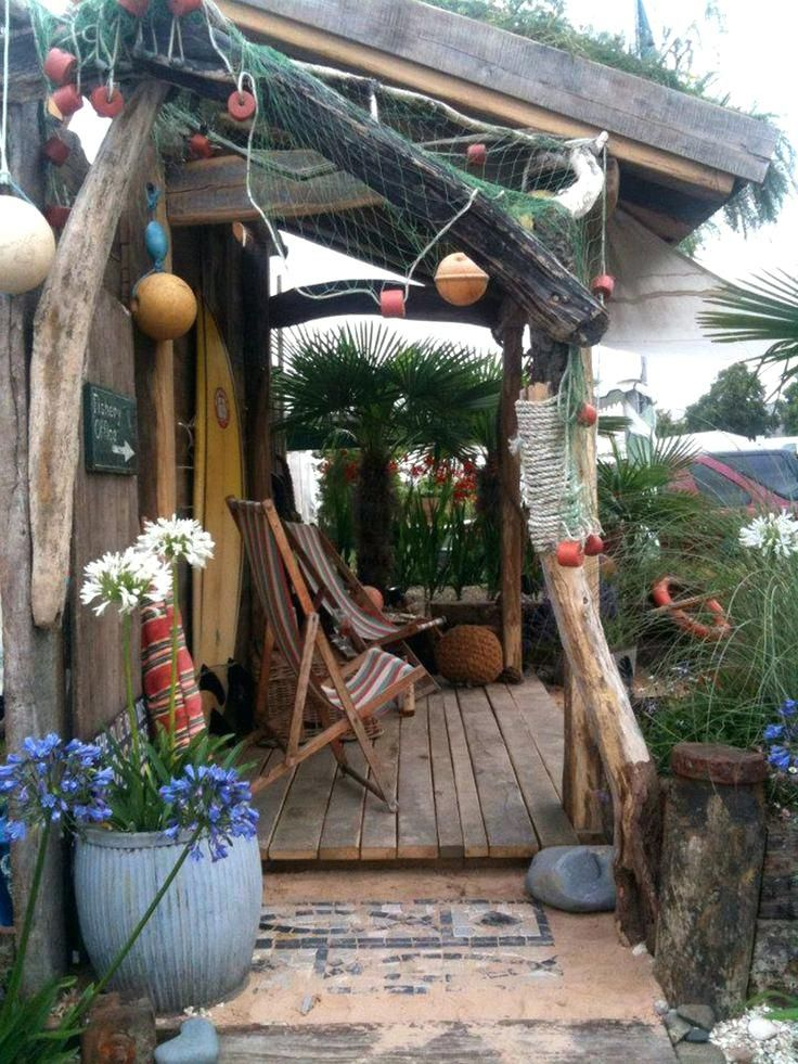 nautical garden beautiful best coastal themed garden ... on Nautical Backyard Ideas id=80518