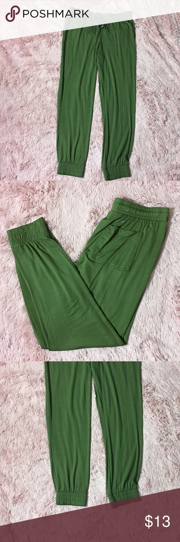 Old navy cinched cropped jogger New but no tag old navy Green cinched cropped jogger Old Navy Pants Track Pants & Joggers