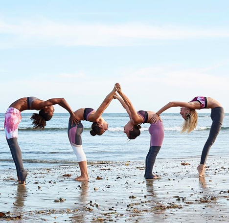 Alo Yoga Acro Yoga Poses Group Yoga Poses 3 Person Yoga Poses