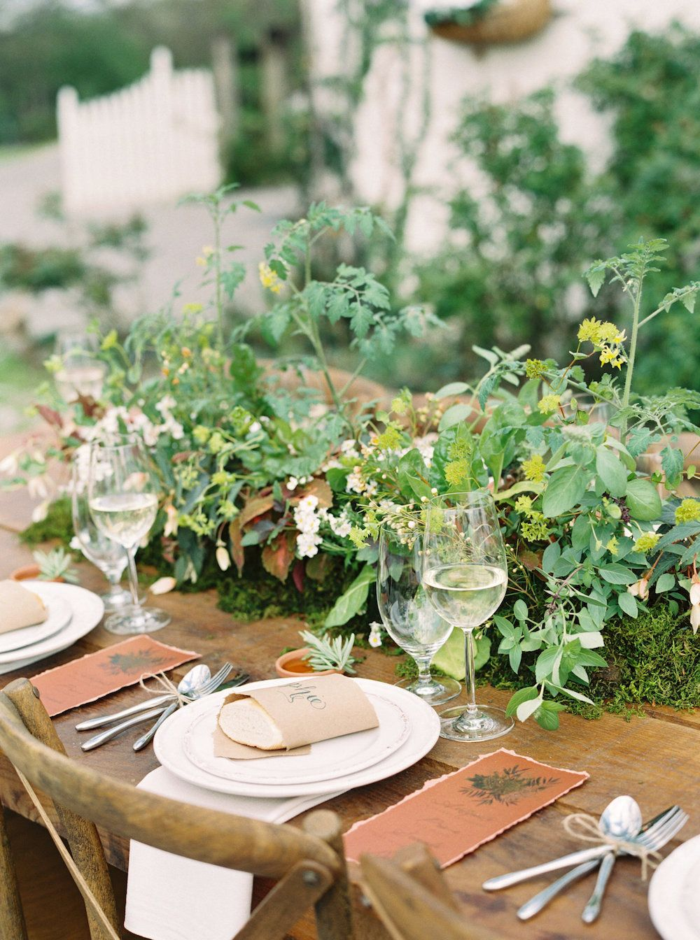 Tablescape by florist Gradient and Hue and Nashville