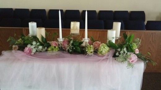garland for the unity candle table