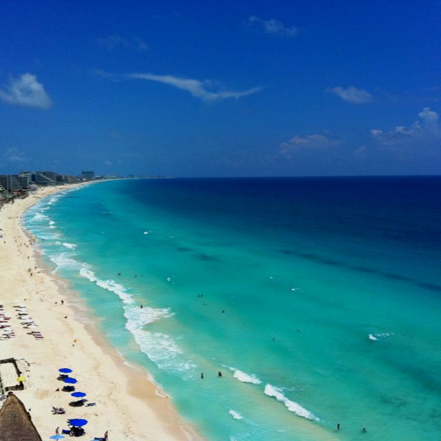Sheen Sand on The Cancun Beach, Mexico - Traveldigg.com