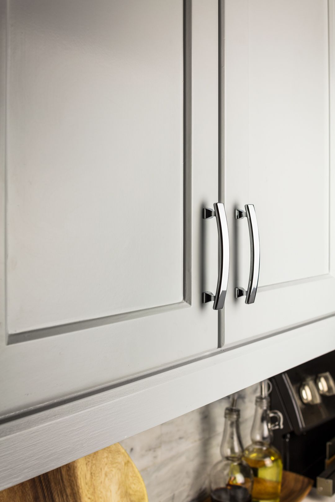 Hadly 4 Overall Length Zinc Die Cast Cabinet Pull In Polished