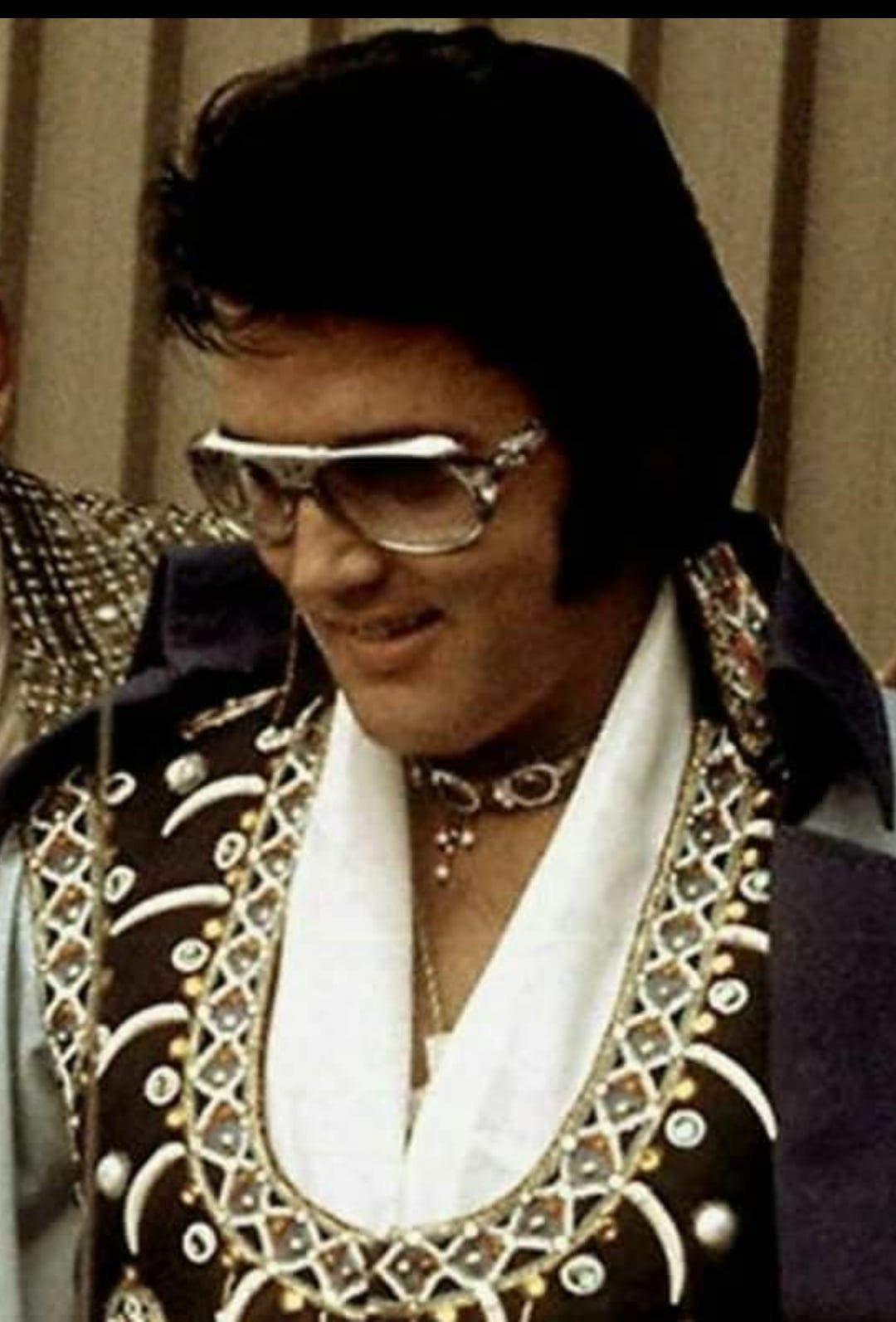 f5aa3fa4c15 Elvis 1975
