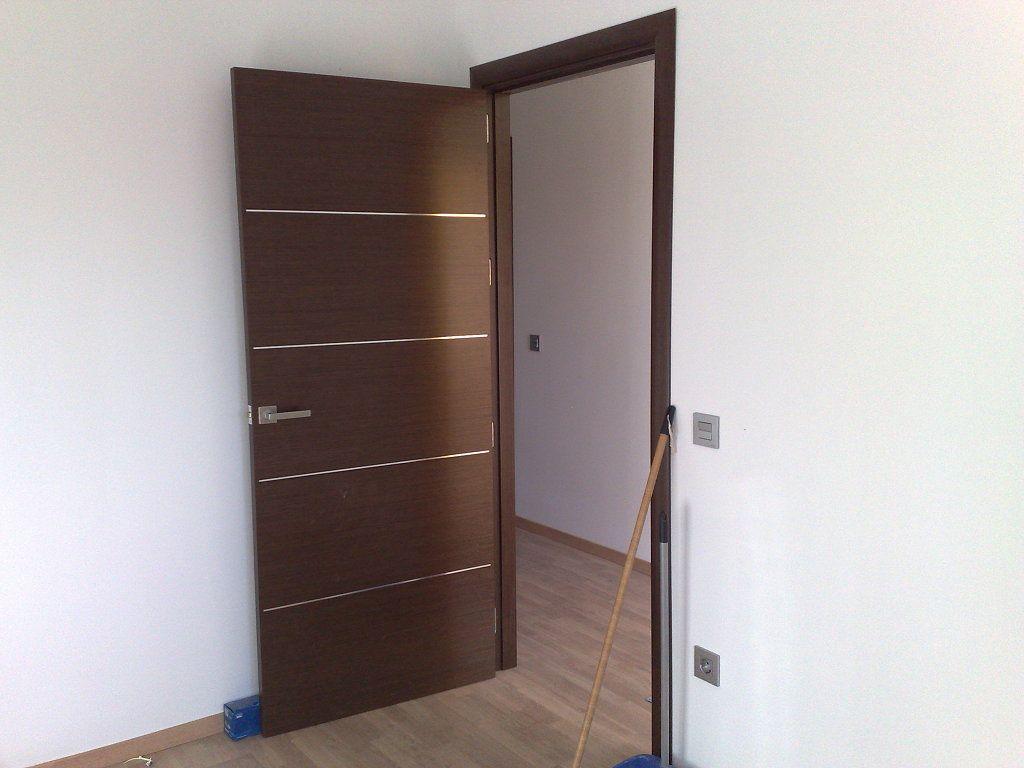 Puerta de madera moderna buscar con google puertas - Puertas de madera interiores modernas ...