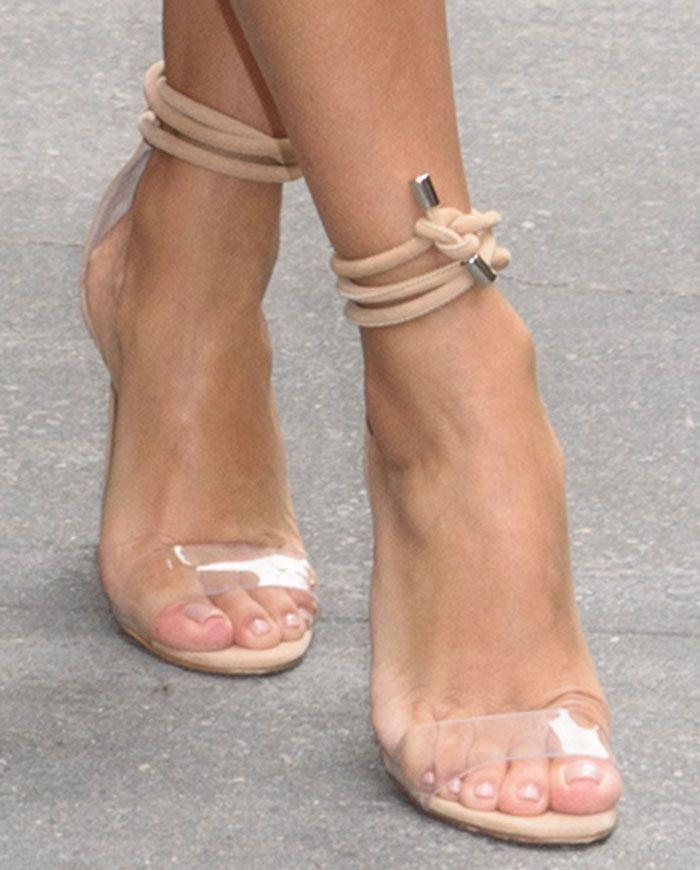 Eva Longoria wearing Manolo Blahnik Estro sandals