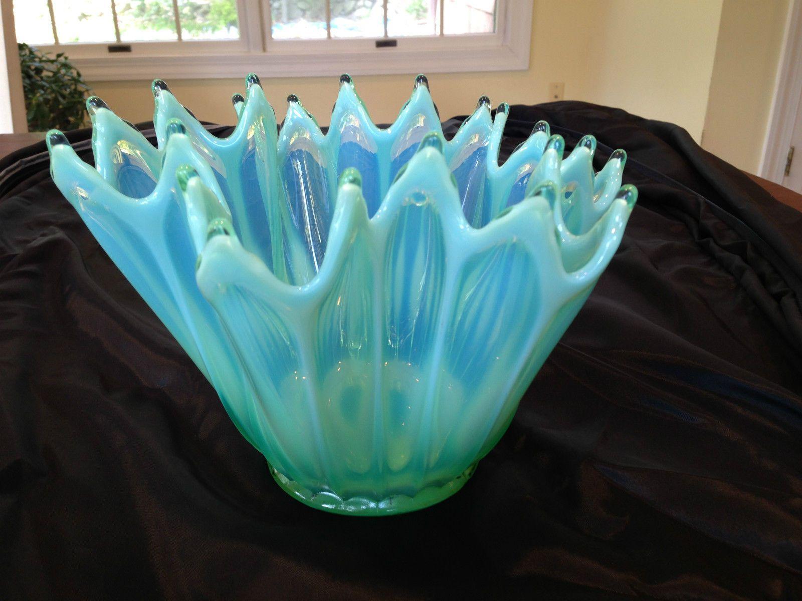 Vintage heirloom fostoria glass green opalescent handkerchief vase vintage heirloom fostoria glass green opalescent handkerchief vase bowl mint ebay reviewsmspy