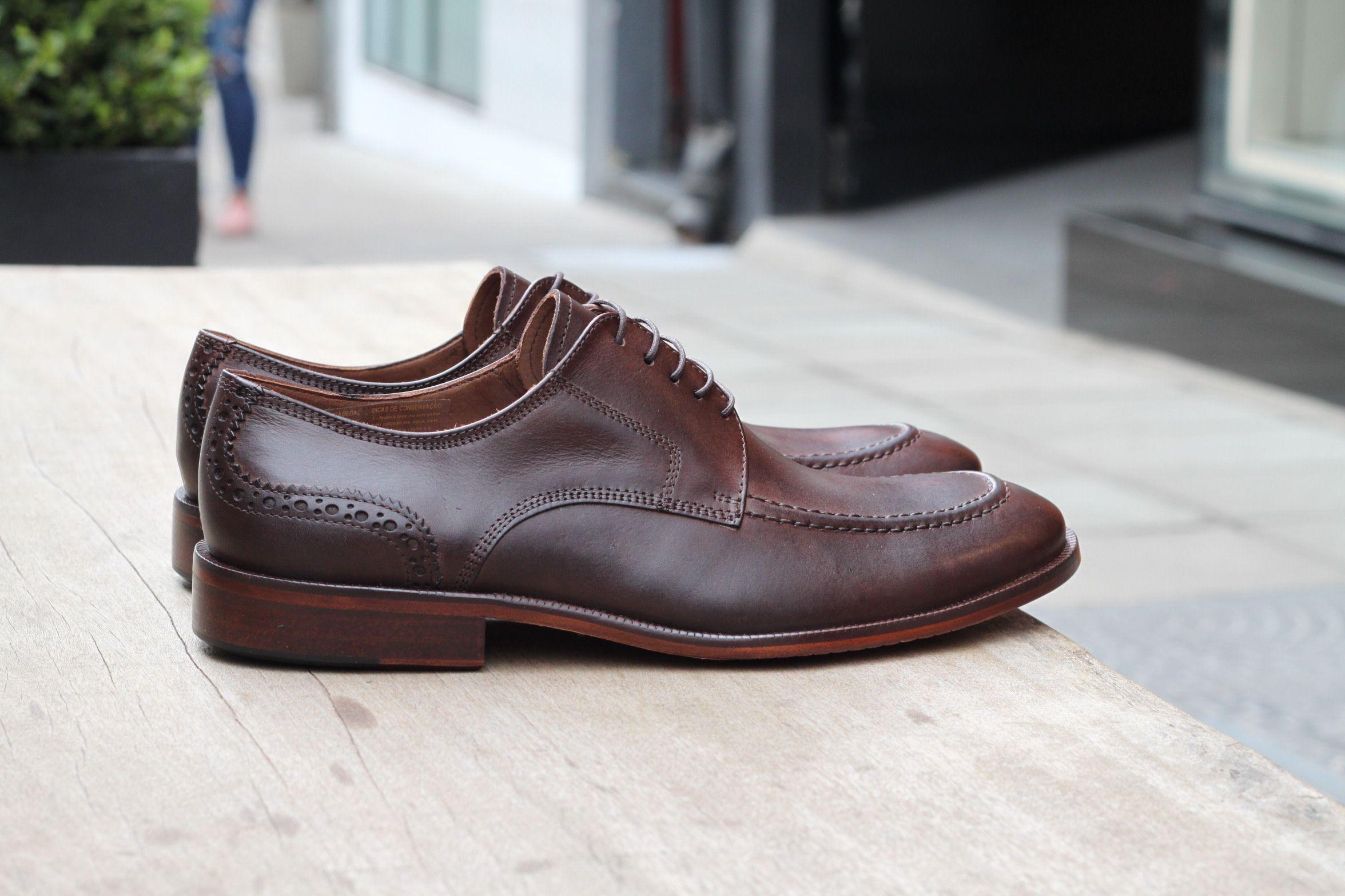 7afcbe733 Sapato Social Masculino Derby CNS Jeff em couro Café com sola de couro e  forro em
