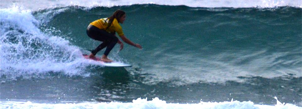 Kira Stanley.... going down the line. Scripps Pier, La Jolla CA