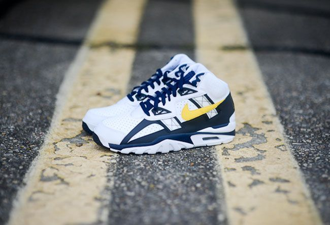 huge discount 8b562 6753a Nike Air Trainer SC II   Tour Yellow   Midnight Navy