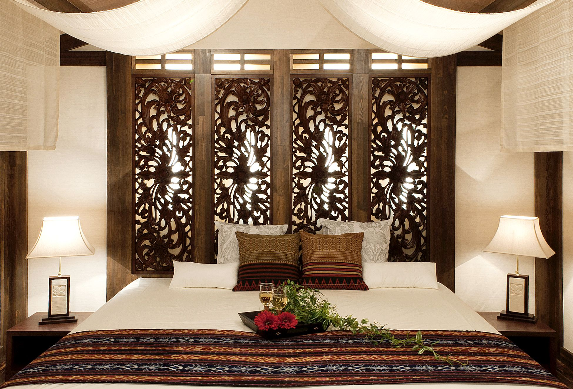 ASIAN STYLEResidenceIndonesia wood relief,bed,light