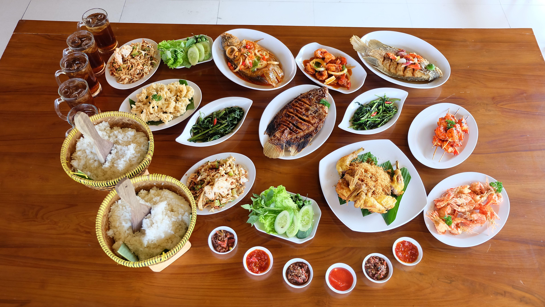 Rumah Makan Terbaik Di Bekasi Tempat Makan Paling Enak Di Bekasi Hp 0813 9812 7787 Tempat Makan Enak Di Bekasi Kuliner S Makanan Enak Makanan Ayam Panggang