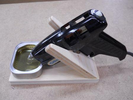 Glue Gun Support / Support à pistolet de colle Pistolet, Colle et - truc et astuce maison bricolage