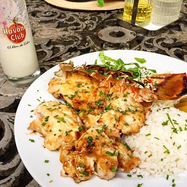 Love cuban food 🇨🇺 #piñacolada #lobster #rice #morosycristianos #cubanfood #cuba #lahabana #hungry #instafood #foodporn #cubanlife #rum #lahabanavieja  Yummery - best recipes. Follow Us! #foodporn