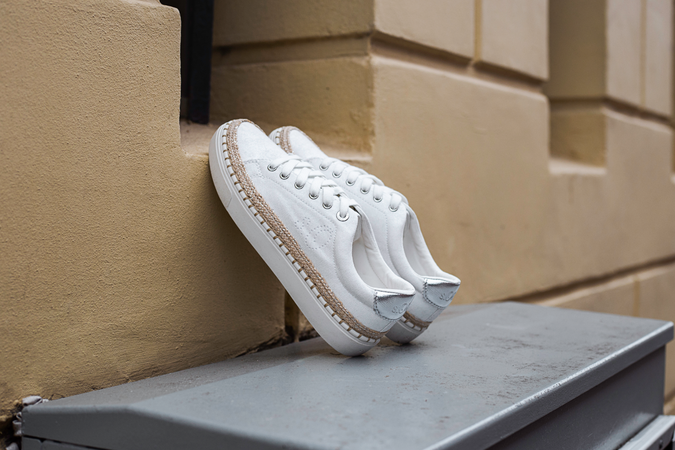 Sneakers wit   Ziengs.nl   Sneaker, Schoenen, Veterschoenen
