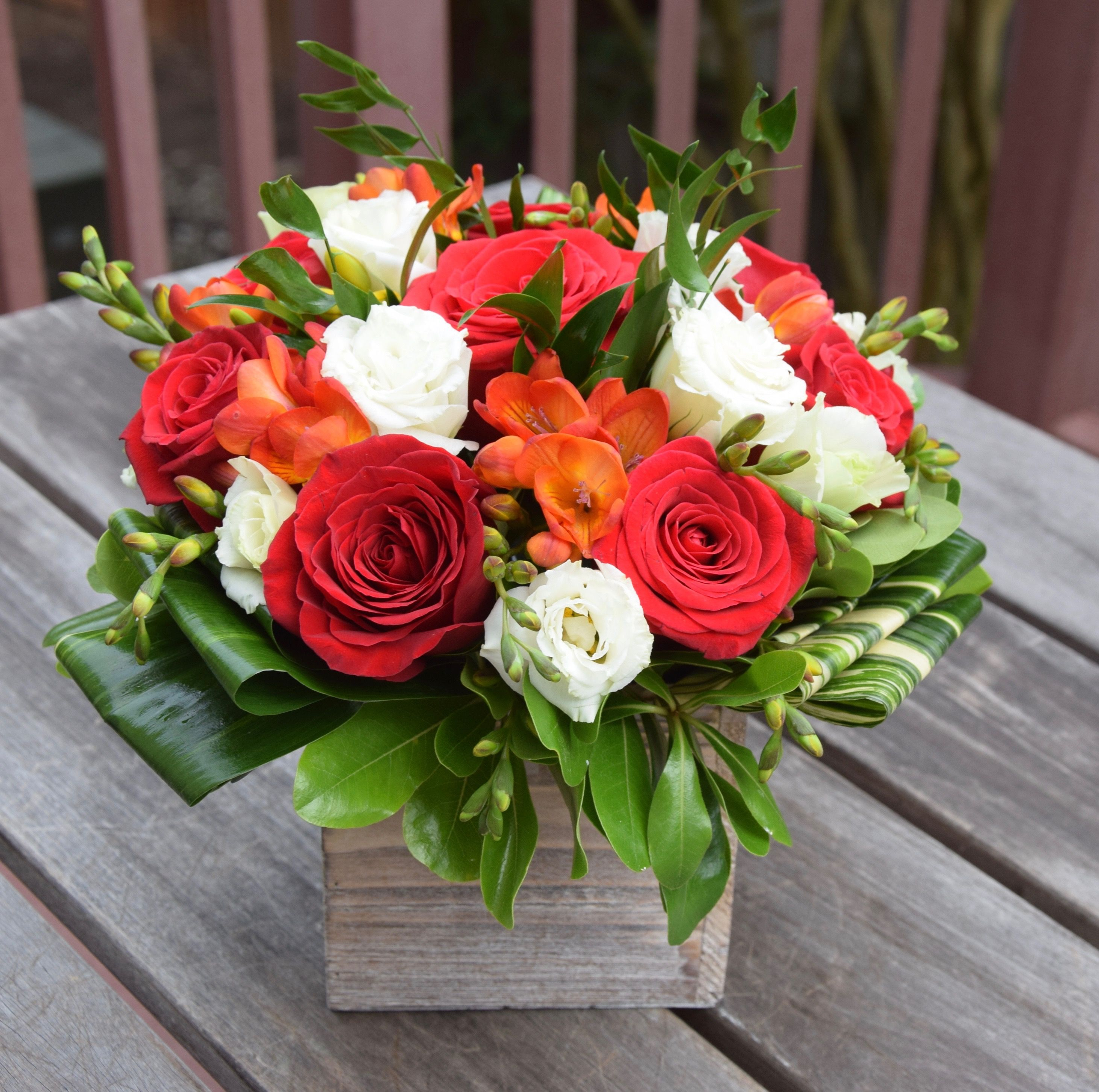 Flower box with roses lisianthus freesia and green fillers a fleurelity florist customized flower arrangements and flower delivery local florist izmirmasajfo Choice Image