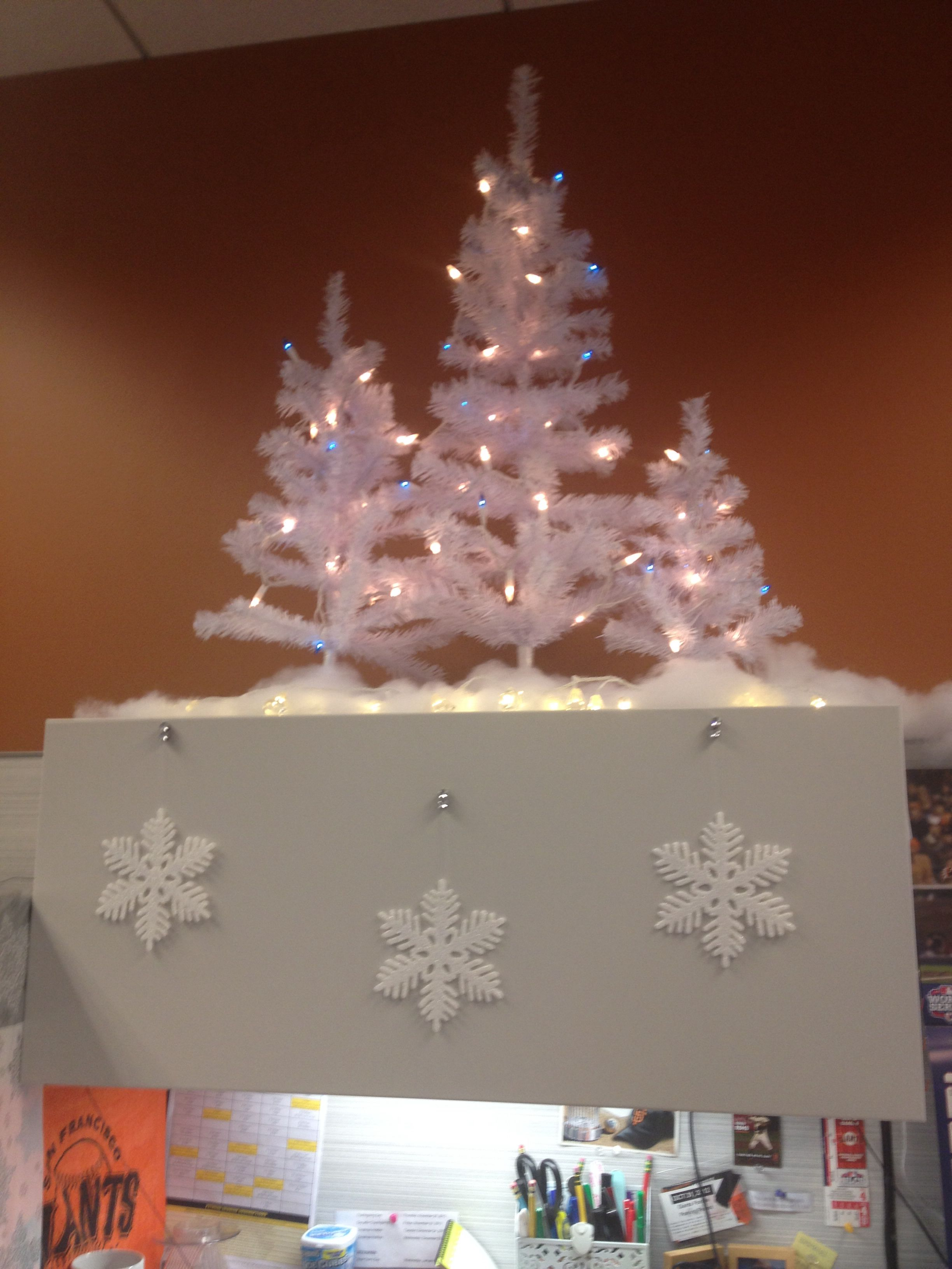 Christmas Cubicle Decorating Trees Were 5 Tall 4