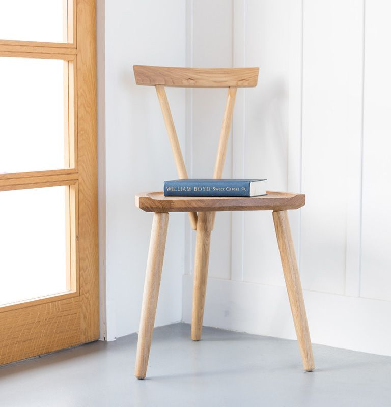 3 legged chair